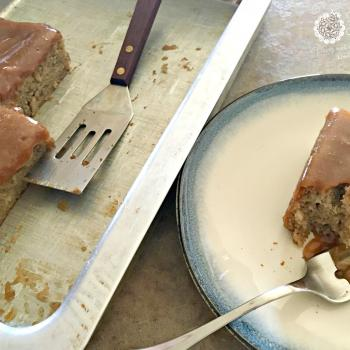 Grain free, refined sugar free Banana Cake with Peanut Butter Frosting