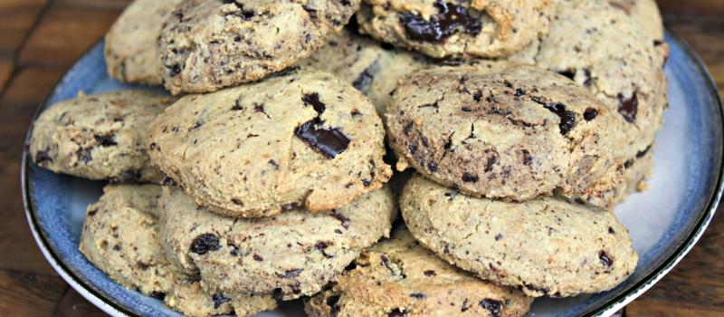 Grain-Free, dark chocolate chip cookies with almond flour
