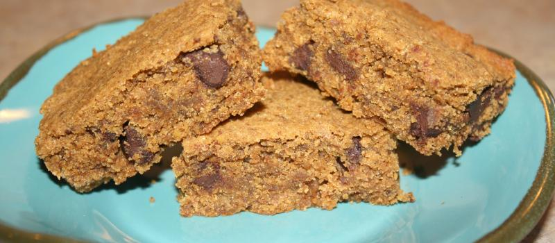 Almond Butter Quinoa Cookie Bars